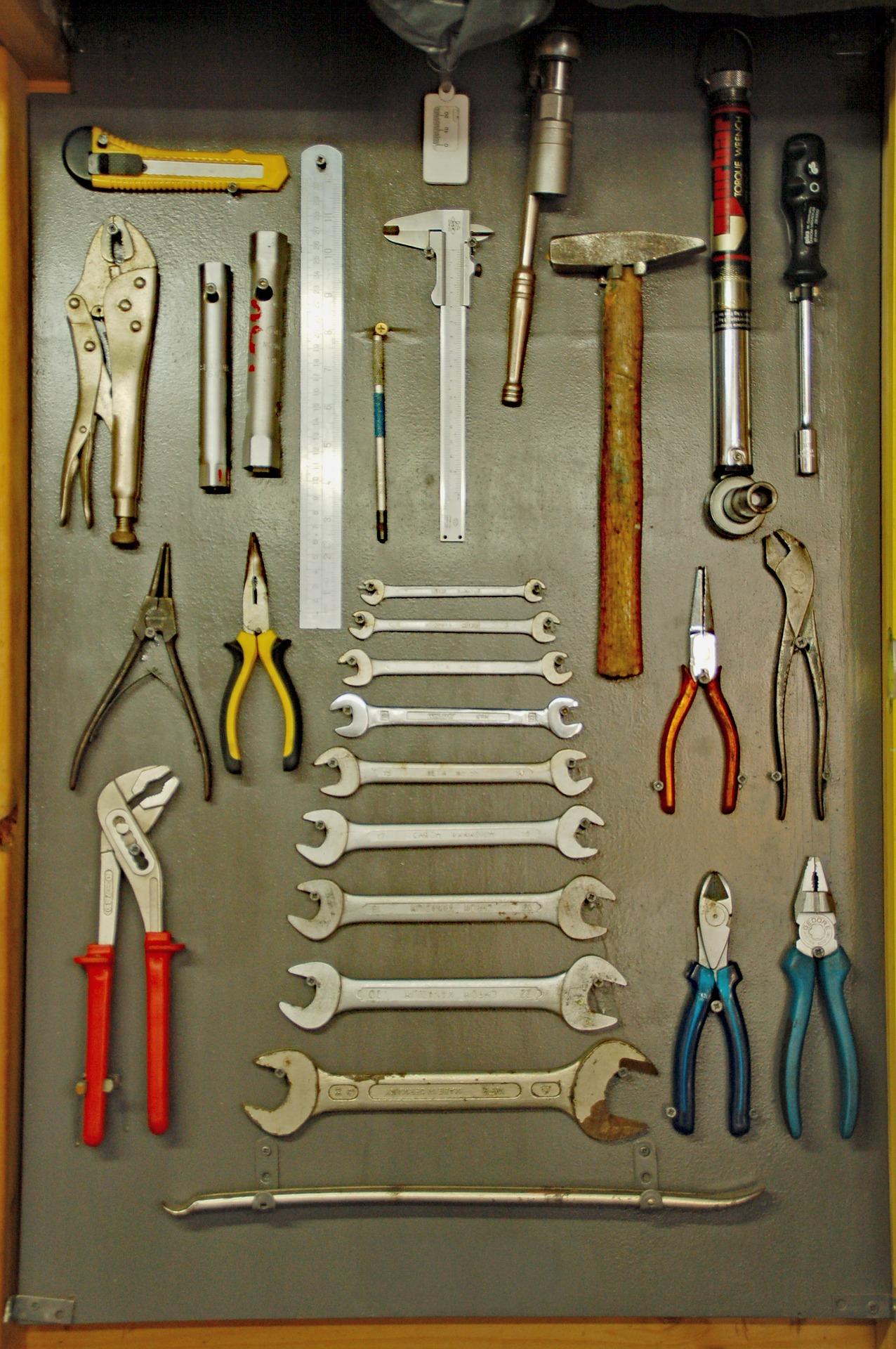 tools-3341643_1920