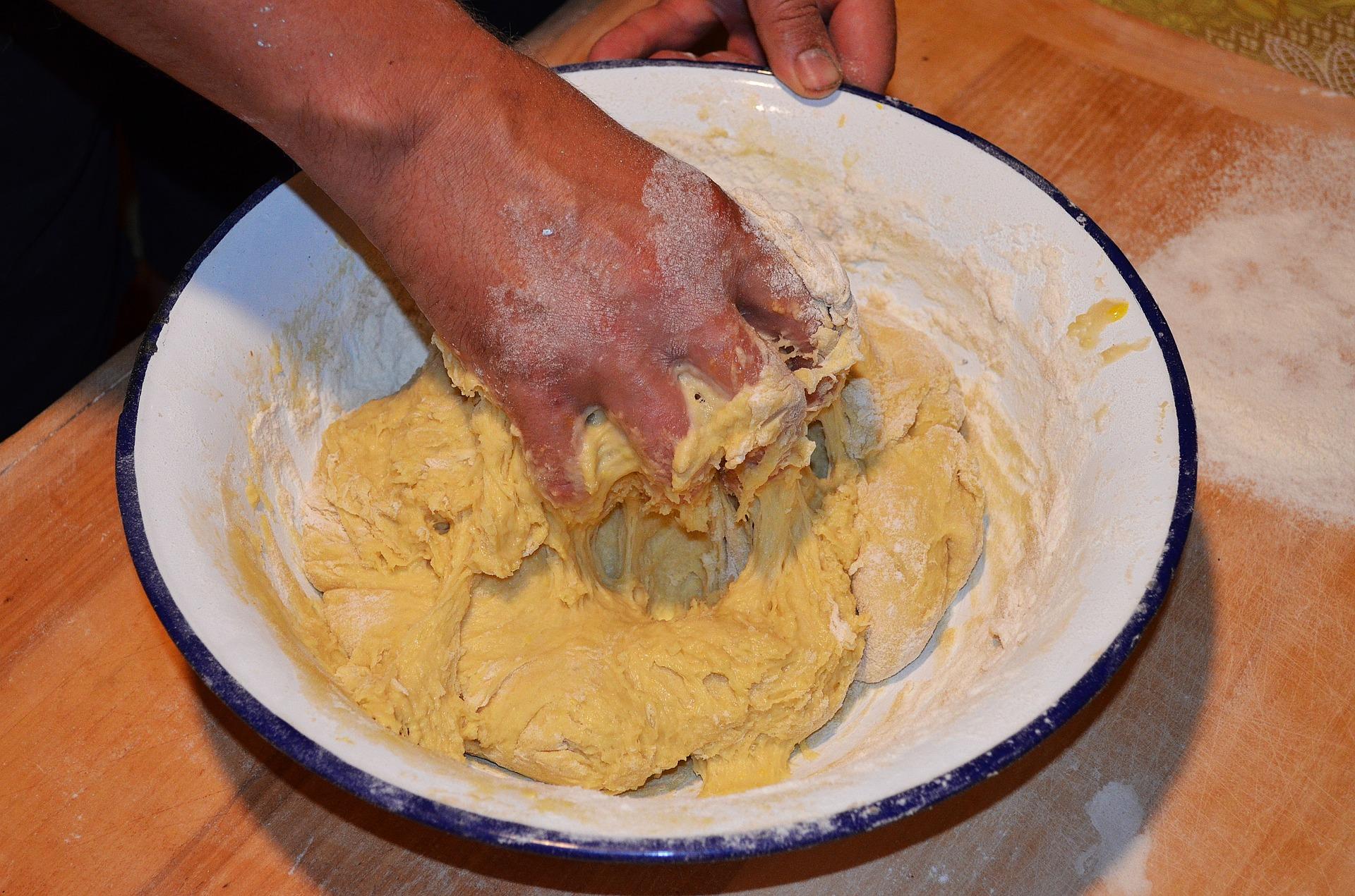 cake-yeast-1575463_1920